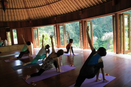 4Bagus image yoga class